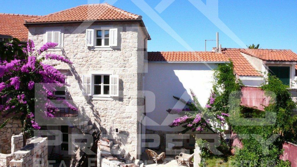 Apartment for sale, first row to the sea, Postira, Brac